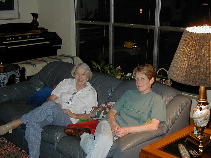 Elsie & Susan 2000